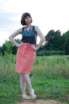 salmon liz claiborne skirt - beige Dolce Vita sandals