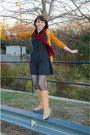 Brick-red-arden-b-scarf-tan-seychelles-boots-black-vintage-dress