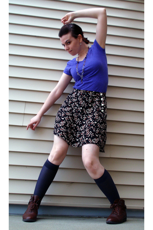 vintage floral Gap skirt -  boots - kHOLES t-shirt - SkwrrL Collective necklace