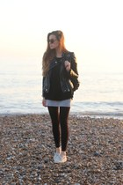 black faux leather Sheinside jacket - ivory boat Sperry Top Sider loafers