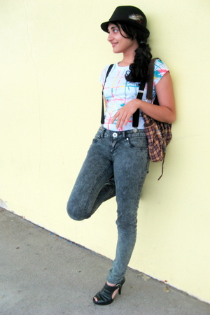 tyte jeans - accessories - 579 hat - sears shoes - Shoppers World t-shirt