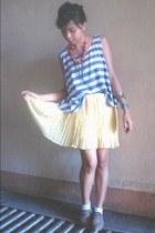 light yellow skirt - light brown brogue shoes - white socks - orange necklace