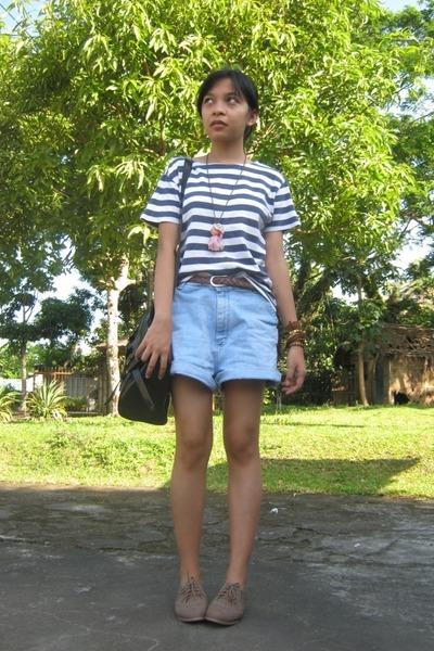 Blue Striped Shirts, Black Satchel Bags, Light Blue Denim Shorts ...