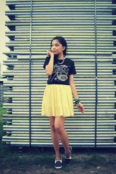 black shirt - black diy shoes - light yellow skirt