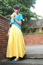 yellow maxi skirt - blue cropped Oxygen shirt - blue ballet Janylin flats
