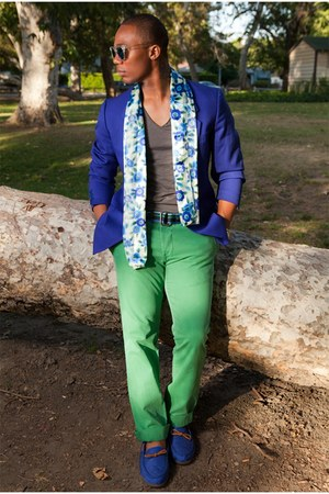 blue blazer - green pants