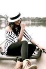 White-market-top-black-market-leggings-eggshell-sportsgirl-hat-brown-bouti