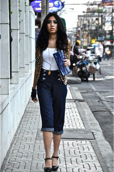 white random top - blue vintage jeans - yellow vintage vest - black Cole Haan sh
