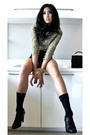 Gold-vintage-blouse-black-boutique-shorts-black-boutique-shoes-black-vinta