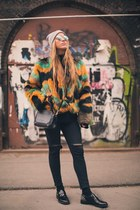 Custo Barcelona coat - carlo pazolini shoes - Aritzia bag - zeroUV sunglasses