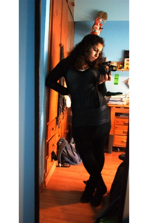 black Mango dress - black asos boots - white Stradivarius t-shirt - black intimi