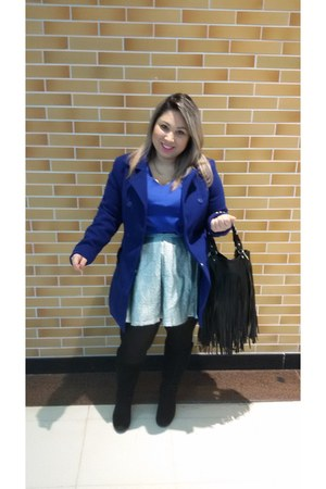 la Armazém Mineiro coat - casual Ellus boots - satin Chillistore blouse