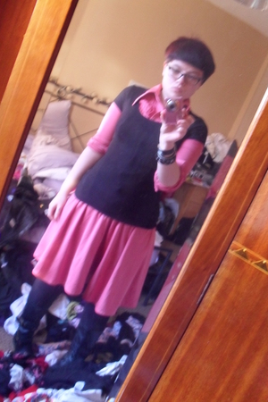 pink vintage dress - black H&M t-shirt - black new look tights - black new look
