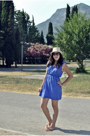 meli melo hat - Newlook dress - Gucci sunglasses - Valentino flats