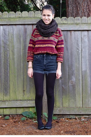 black Harriet Carter tights - crimson savers sweater - black Jujubes scarf