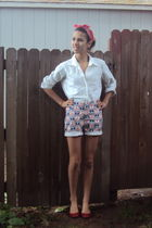 red vintage shorts - white abercrombie and fitch shirt - red Type Z shoes