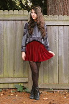 crimson American Apparel skirt - black Forever 21 boots