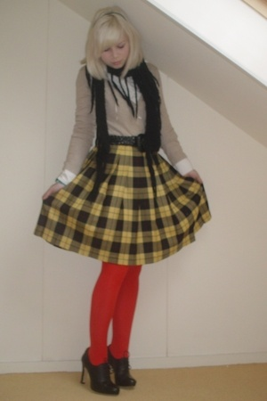 H&M sweater - Esprit blazer - vintage belt - selfmade skirt - Steps tights - Nin