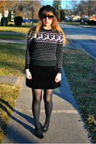 black reindeer vintage sweater - black Dolce Vita shoes