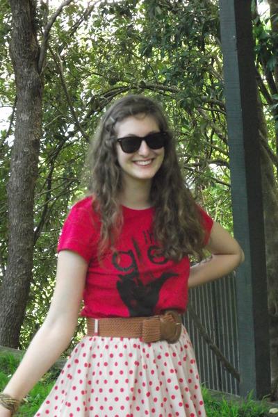 off white Tempt skirt - red gleek Jay Jays t-shirt