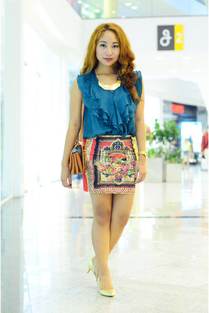 turquoise top Plains and Prints top - brown sling bag Suy Bags bag