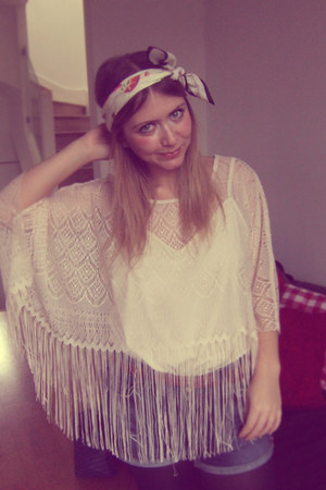 vivienne westwood scarf - Levis shorts - Topshop cape