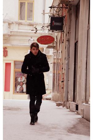 Zara boots - Zara coat - Bershka jeans - Balmain accessories