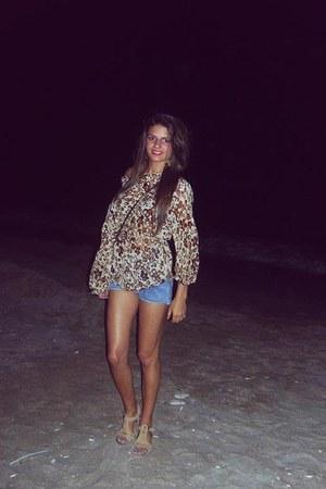 sky blue jeans - beige blouse - tan sandals - brown blouse