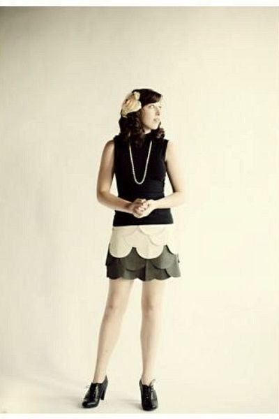black anne taylor loft top - gray ryu skirt - black H&M shoes - white necklace -