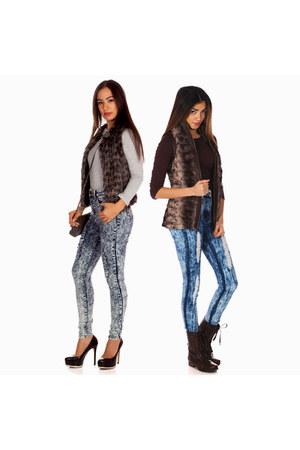 faux fur vest - faux fur vest - jeans - jeans - crew neck shirt