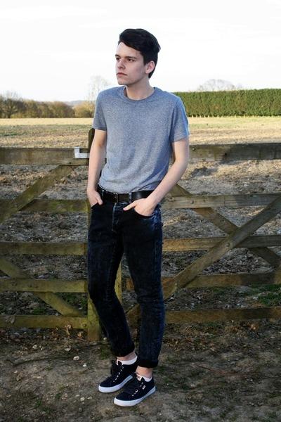 dark blue H&M jeans - light blue H&M t-shirt - navy Levis sneakers