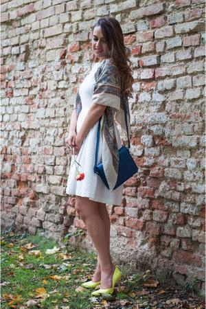 white nikita rinadi dress - navy Vitalie Burlacu bag - yellow new look heels