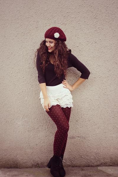 ivory lace OASAP shorts - black Seaside boots - brick red Primark hat