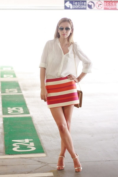 Celine skirt - white H&M shirt - Moon bag - Ray Ban sunglasses - il passo heels