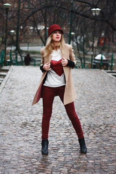 brick red Stefanel hat - black Topshop boots - brick red Zara jeans