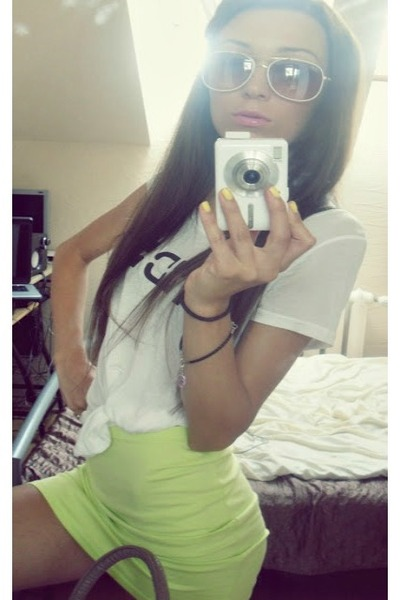 lime green H&M skirt - Ray Ban sunglasses - white H&M t-shirt
