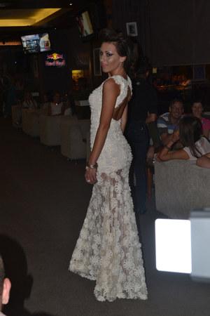 white dress - white heels - accessories