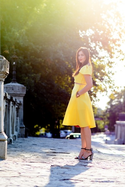 yellow custom made suit - black Zara sandals