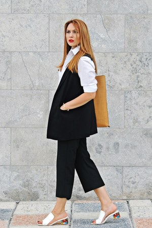 white slippers GAMISS sandals - off white Zara shirt - mustard Rena bag