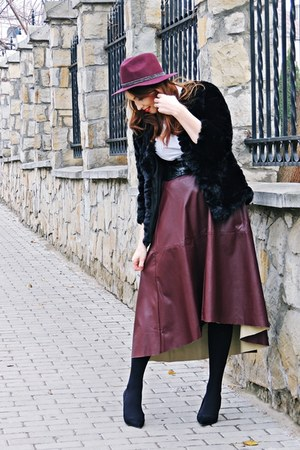 black asos shoes - black romwe coat - brick red Pimkie hat
