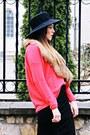 Black-river-island-boots-salmon-cashmere-uterque-sweatshirt