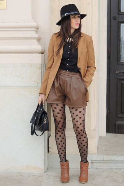 black Front Row Shop hat - brown H&M boots - camel Mango blazer