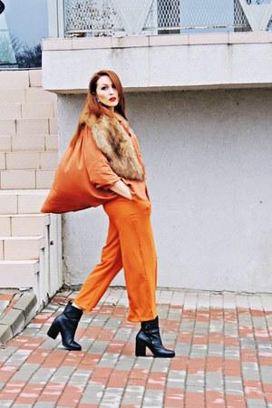orange culottes zaful pants - black Stradivarius shoes