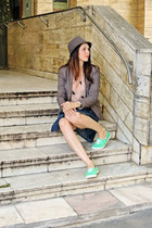 light brown H&M jacket - light brown Stradivarius hat - green H&M sneakers