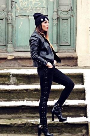 black Zara jeans - black Mango jacket - black beanie New Yorker accessories