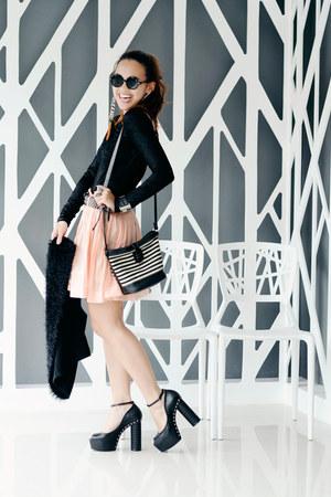 tower heels Danika Rio Navarro heels