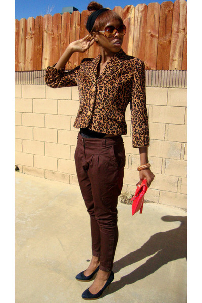 Black Trousers & Brown Leather Shoes ~ Straight Eye