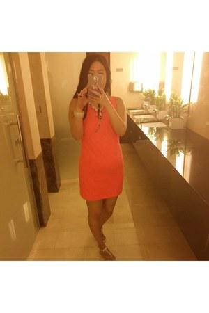 hot pink H&M dress