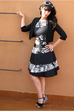 black karine Skunkfunk dress - black Mango blazer - white Motivi sunglasses