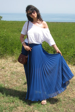 blue maxi Jovonna skirt - dark brown LArtigianato bag - Gucci sunglasses